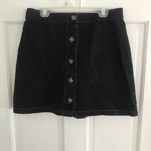 Forever 21 black button down skirt size medium